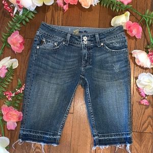 Miss Me Bermuda Shorts Distressed size 27